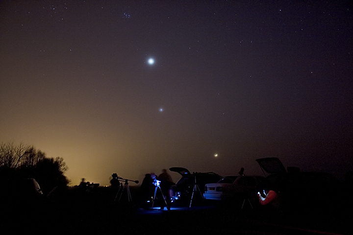 Star Party pic showing Venus, Jupiter and the Moon through haze
